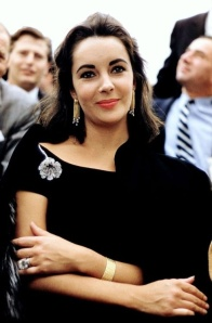 Liz-rocking-brooch