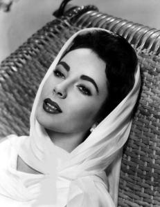 Elizabeth-Taylor-classic-movies-9448697-840-10921
